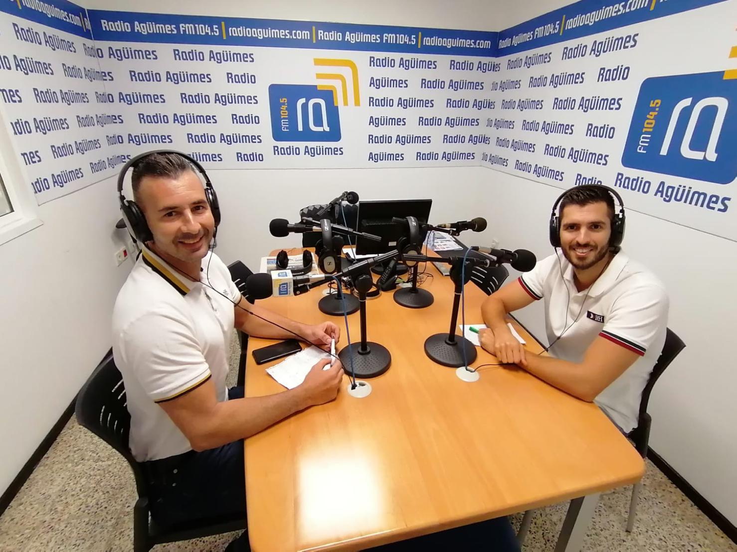 Ecobrisas en Radio Agüimes en Las Palmas hablando de reciclaje y economia circular en Canarias